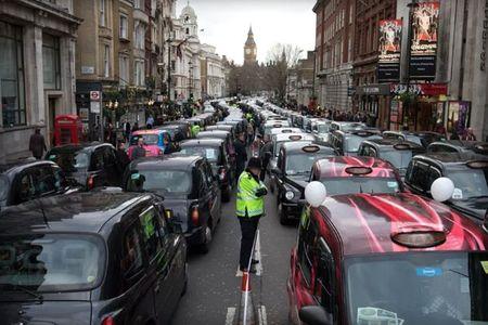 Tai xe Uber o Anh khong duoc coi la nghe tu do - Anh 1