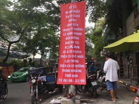 Xe khach Thanh Buoi ngang nhien bat khach tren duong cam - Anh 1