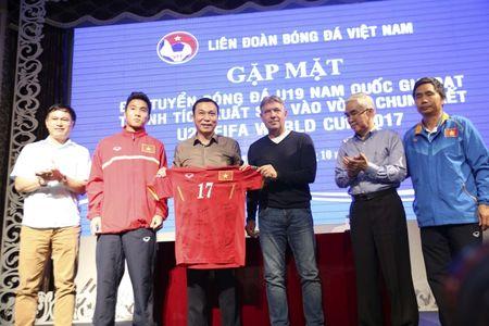 U19 Viet Nam nhan thuong ky luc 2,3 ty - Anh 13