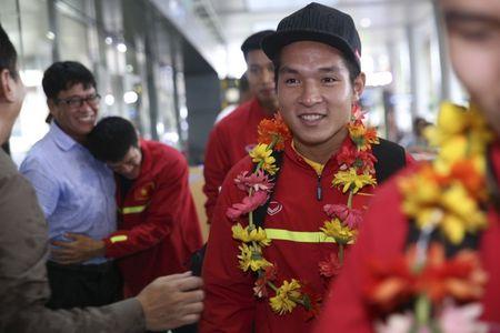 U19 Viet Nam nhan thuong ky luc 2,3 ty - Anh 5
