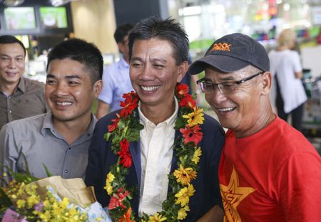 U19 Viet Nam nhan thuong ky luc 2,3 ty - Anh 8