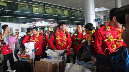 [Anh]: U19 Viet Nam rang ro ve nuoc sau chien cong lich su - Anh 6