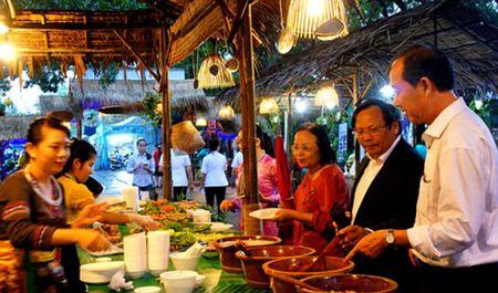 Khai mac Lien hoan am thuc Dong bang song Cuu Long 2016 - Anh 1
