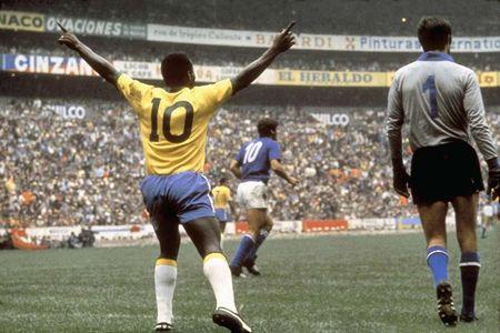 Messi, Maradona va nhung so 10 vi dai trong the gioi bong da - Anh 2