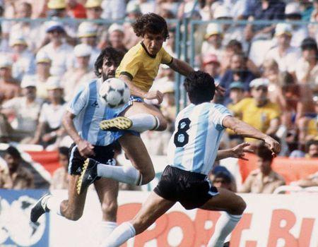 Messi, Maradona va nhung so 10 vi dai trong the gioi bong da - Anh 4