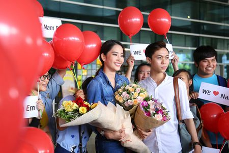 Nam Em tro ve sau Miss Earth trong vong vay cua nguoi ham mo - Anh 5