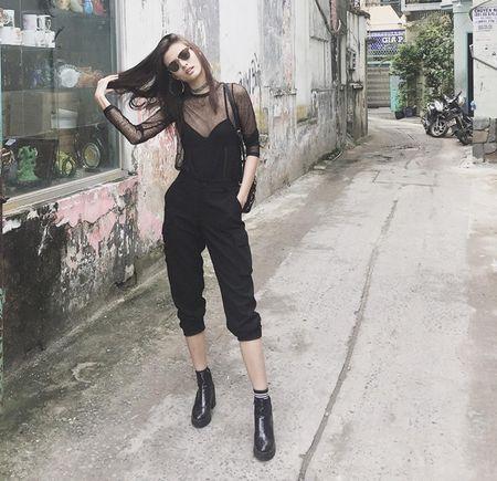 Ngay tet chua biet mac gi thi hay nghi ngay toi Black Outfit - Anh 4