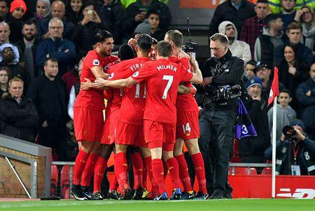 Clip Liverpool 'ban ha' Man City tren san Anfield - Anh 1