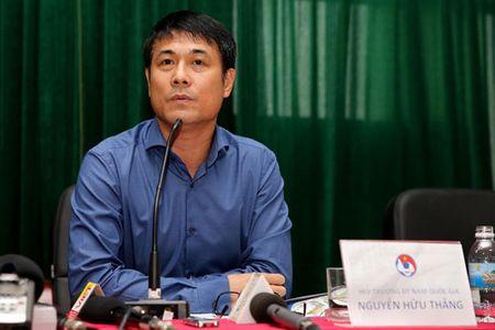 DIEM TIN SANG (1.1): HLV Huu Thang he lo tieu chi tuyen quan cho DT Viet Nam - Anh 1