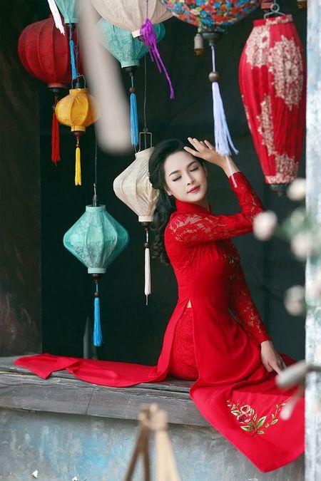 'Hot girl dao keo' lung lieng trong 6 ta ao dai xuan ruc ro - Anh 11