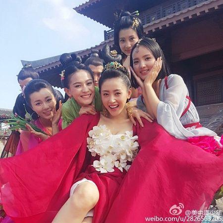 3 my nhan co trang gay 'choang' man anh TQ 2016 - Anh 13
