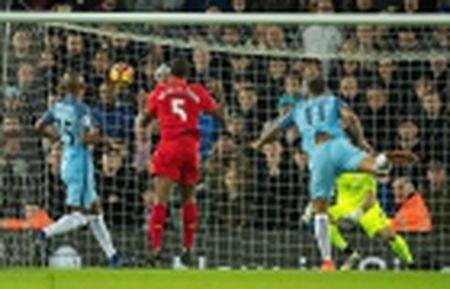 Chum anh: Nguoi thua toa sang, The Blues nhoc nhan vuot ai Stoke City - Anh 11