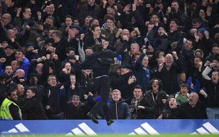 Chum anh: Nguoi thua toa sang, The Blues nhoc nhan vuot ai Stoke City - Anh 7