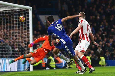 Chum anh: Nguoi thua toa sang, The Blues nhoc nhan vuot ai Stoke City - Anh 8