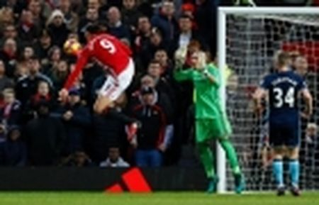 Tiet lo cuc ky cam dong ve Mourinho truoc tran gap Middlesbough - Anh 2