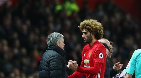 Mourinho bat ngo ca ngoi Fellaini - Anh 1