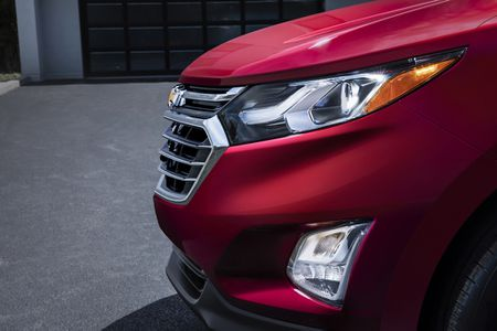 Chevrolet Equinox 2018 'chot gia' hon 500 trieu dong - Anh 4