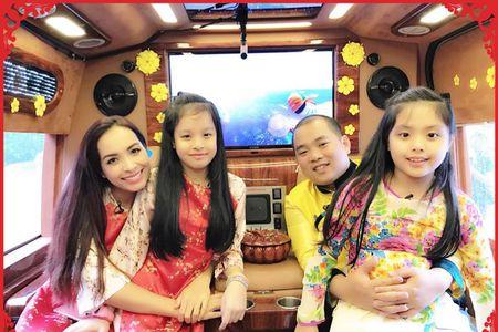 Sao Viet don Tet duong lich: Nguoi rong choi, ke miet mai chay show - Anh 8
