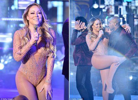 Mariah Carey gay bao san khau giao thua vi man hat nhep - Anh 5