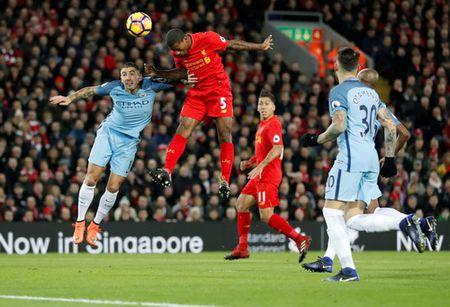 Aguero tit ngoi, Man City trang tay o dai chien voi Liverpool - Anh 1