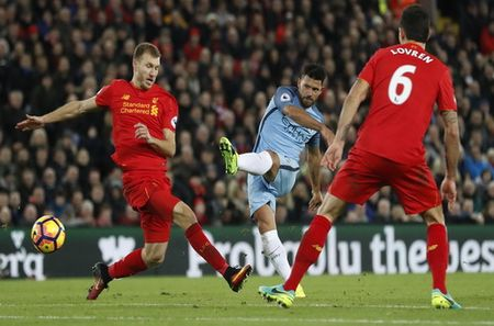Aguero tit ngoi, Man City trang tay o dai chien voi Liverpool - Anh 2