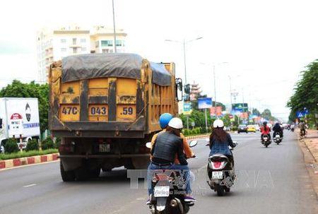 Loi vi pham giao thong co the bi phat nang tu ngay 1/1/2017 - Anh 1