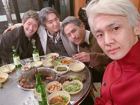 Sao Han 1/1: IU dep doi ben Lee Jun Ki, Sulli to son choe choet - Anh 8