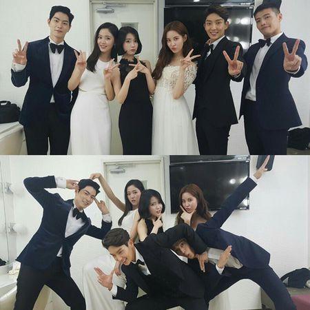 Sao Han 1/1: IU dep doi ben Lee Jun Ki, Sulli to son choe choet - Anh 9