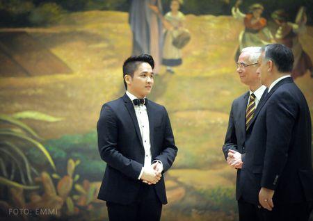Ninh Duc Hoang Long: 'To quoc toi' la tieng long nguoi con xa que - Anh 1