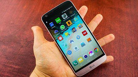 LG muon som ban G6 de chiem loi the truoc Galaxy S8 - Anh 1