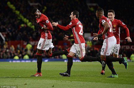 Nguoc dong danh bai Middlesbrough, M.U ap sat top 5 - Anh 1