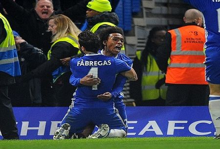 Premier League: Chelsea vo dich luot di bang tran thang thu 13 - Anh 1