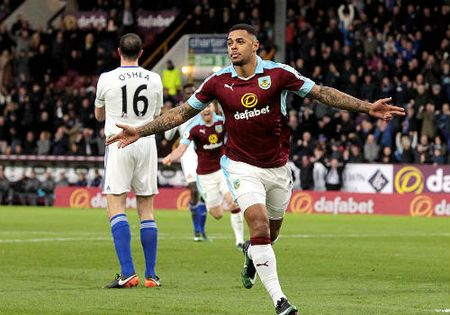 """Burnley - Sunderland: Hat-trick trung phat """"tan"""" sai lam - Anh 1"""