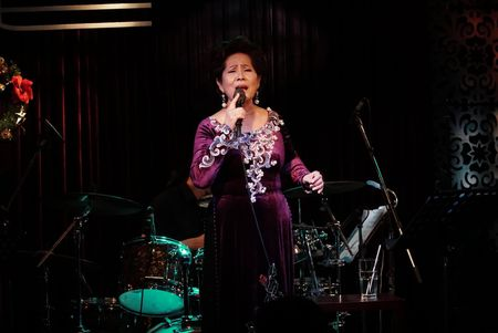 Bo ba Phuong Dung, Giao Linh va Thanh Phong suoi am nguoi yeu nhac Sai thanh - Anh 3