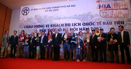 Don vi khach quoc te dau tien 'xong dat' Thu do Ha Noi - Anh 5