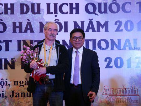 Don vi khach quoc te dau tien 'xong dat' Thu do Ha Noi - Anh 7