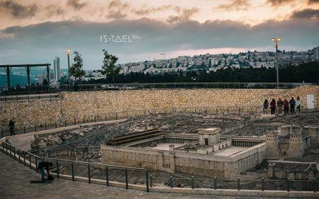 Ngam Israel binh yen khong khoi lua trong mat tin do du lich - Anh 17
