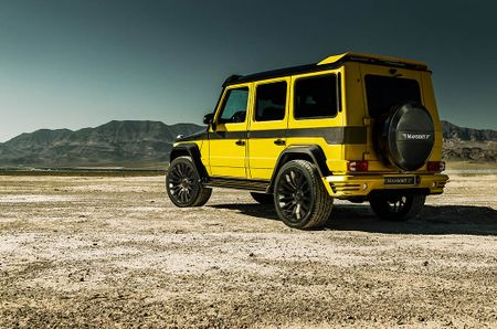 Mercedes-Benz G-Class dam chat choi qua ban do Mansory - Anh 4