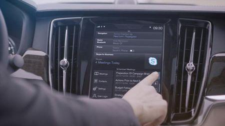 Skype se co mat tren xe Volvo - Anh 4