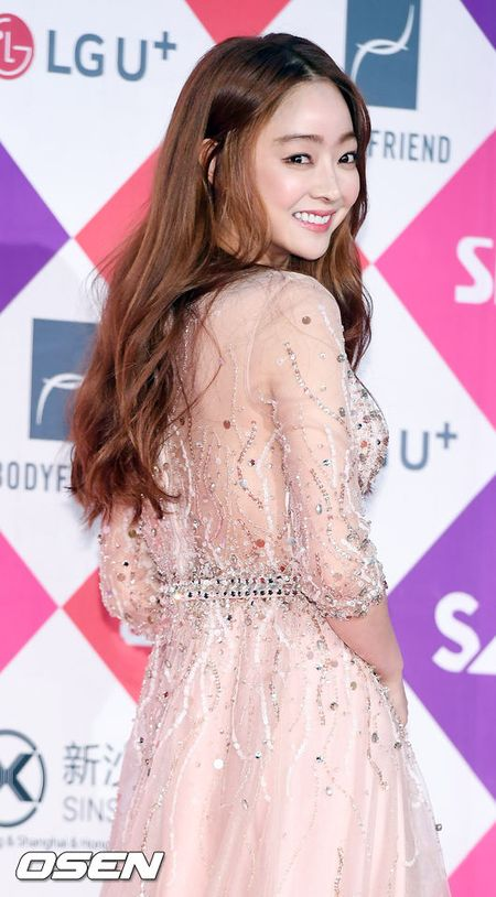 Song Hye Kyo dep ruc ro, khoe sac cung dan Sao tren tham do - Anh 26