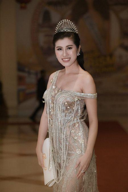 Emily Hong Nhung sang Malaysia ung ho Thuy Linh - Anh 1