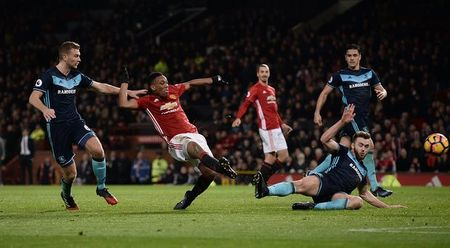 M.U don giao thua bang 'Fergie time' truoc Middlesbrough - Anh 4
