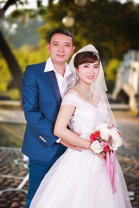 Dien vien hai Chien Thang bat ngo cuoi vo lan ba kem 15 tuoi - Anh 2