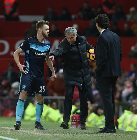 Jose Mourinho dung chieu cau gio lo lieu - Anh 3