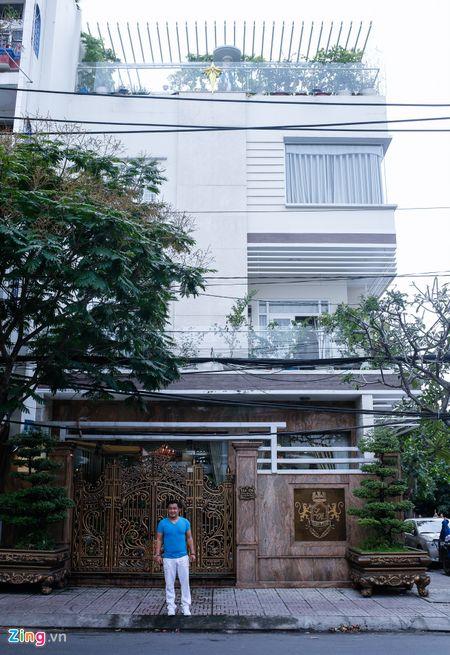 Tham biet thu moi xay, rong 700 m2 cua Ly Hung - Anh 1
