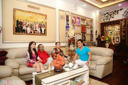Tham biet thu moi xay, rong 700 m2 cua Ly Hung - Anh 3