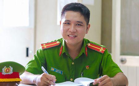 Trinh sat hinh su 3 lan uong thuoc chong phoi nhiem HIV - Anh 1
