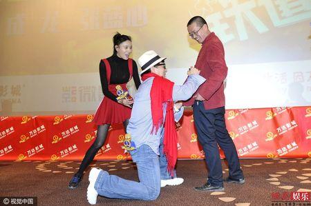 Thanh Long bo chay khi mot nguoi dan ong nhay tu do cao 5 m - Anh 3