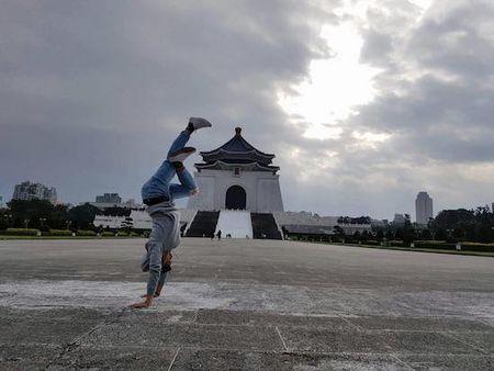Dien vien Ngoc Lan: Nam qua toi lai duoc ong chong! - Anh 10