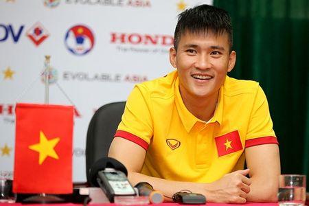 Tin nong bong da toi 1/1: Cong Vinh bat dau 'ra tay' - Anh 1